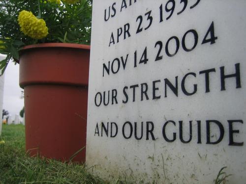 anni headstone06
